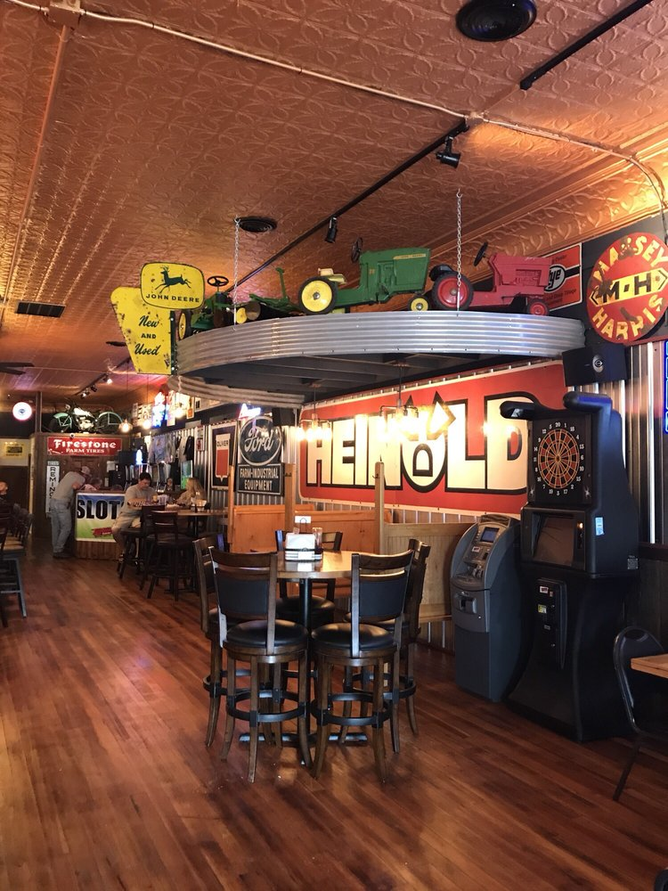 The Combine Bar & Grill: 117 N Prospect St, Cambridge, IL