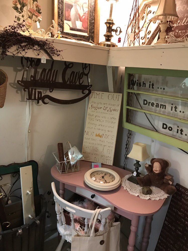 Shabby Shed: 6101 Tower Ave, Superior, WI