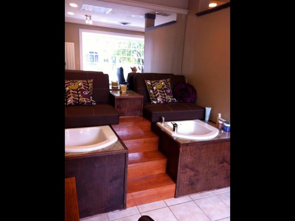 Evolutions Image & Wellness Salon: 200 Fairfield Ave, Bellevue, KY