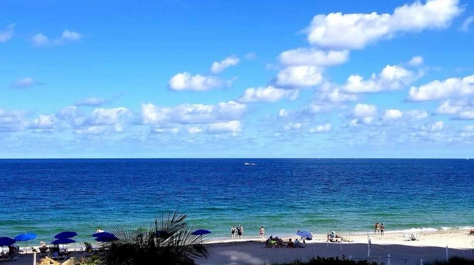 Ocean Manor Beach Resort: 4040 Galt Ocean Dr, Fort Lauderdale, FL