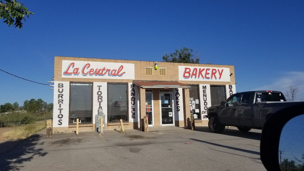 La Central Bakery: 420 McCombs Rd, Chaparral, NM