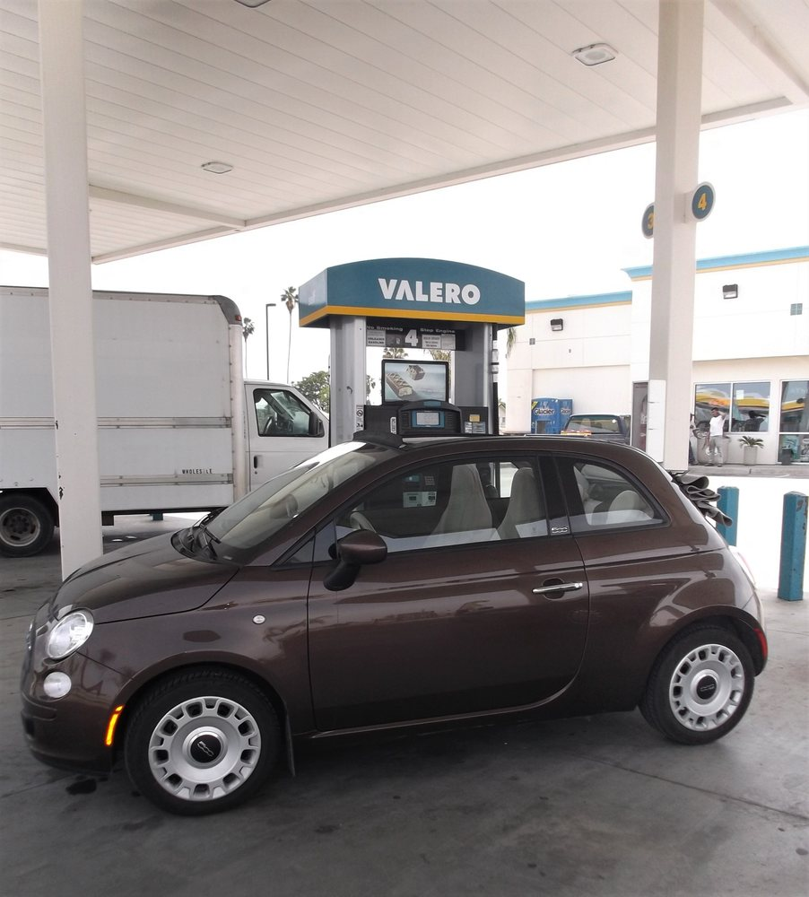 Valero Oasis Market: 23215 Fountain Springs Ave, Ducor, CA