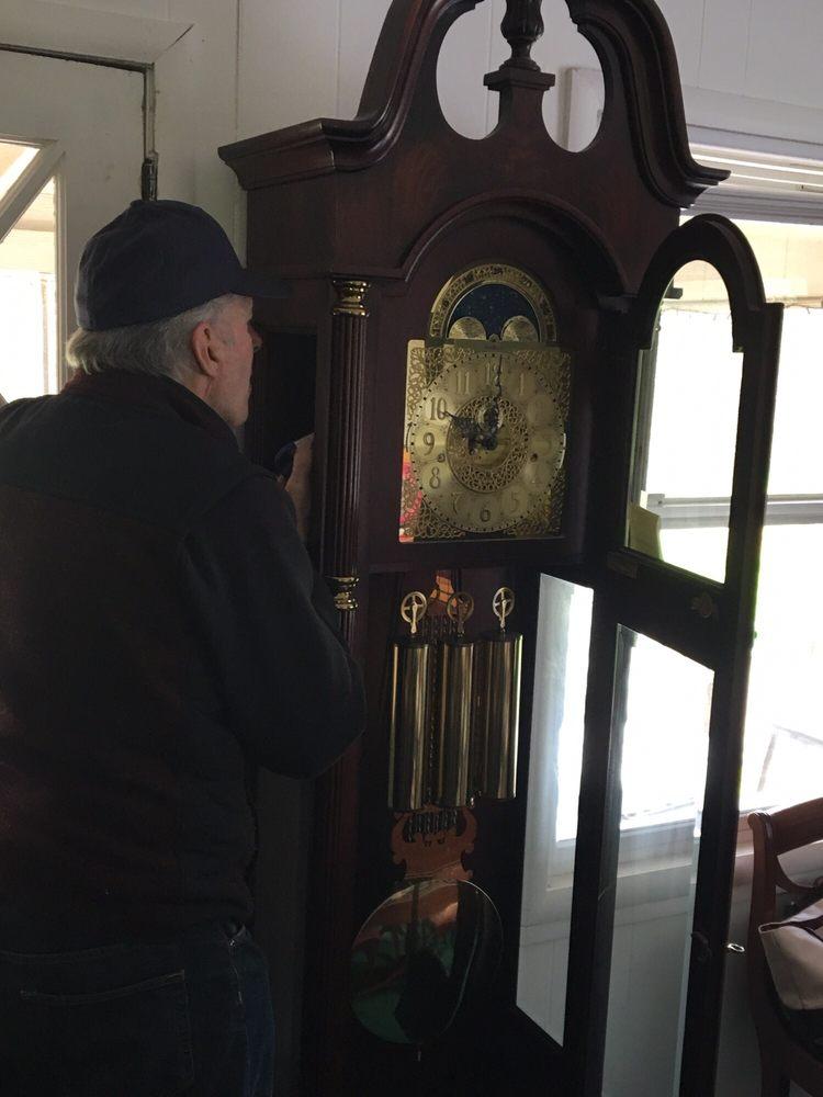 Dublin Clock Shop: 7057 Village Pkwy, Dublin, CA