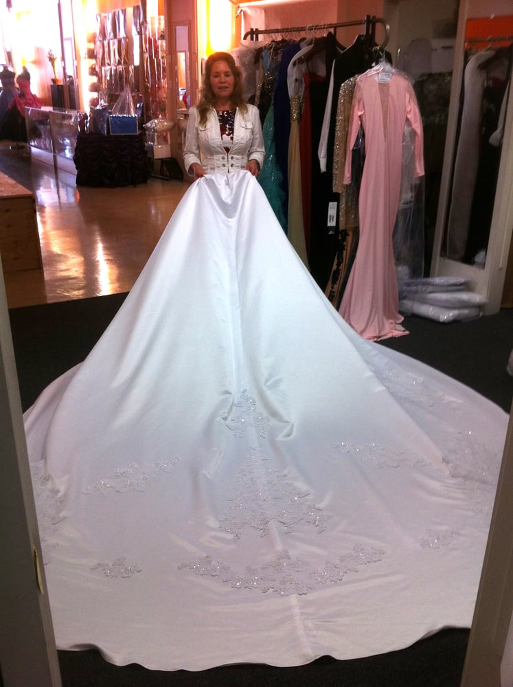The First Time I Saw The Train Of The Dress Yelp