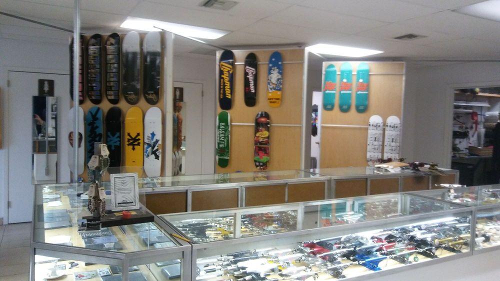 Chapman Skateboard: 87 N Industry Ct, Deer Park, NY