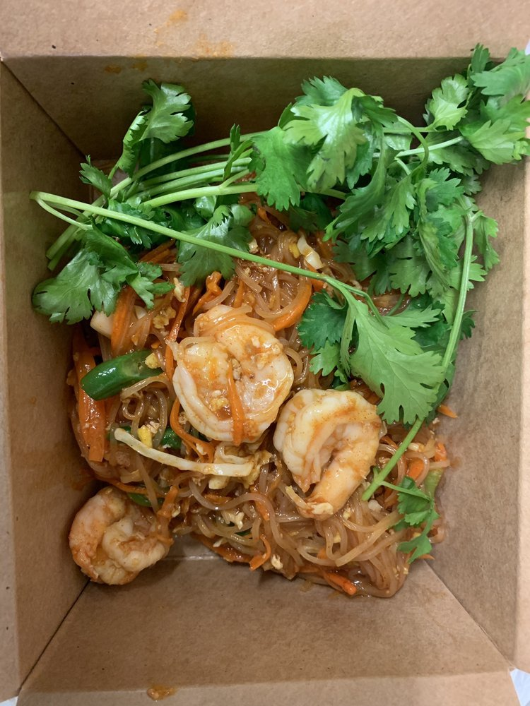 Food from Dee Thai Express