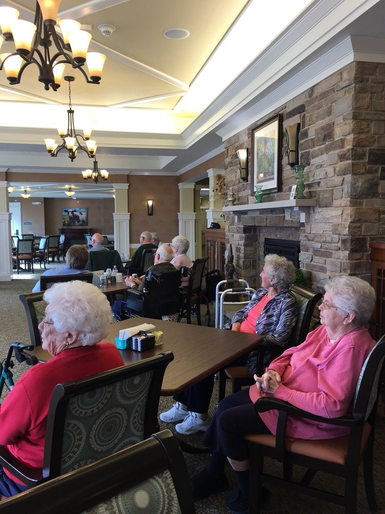 Beloit Senior Living: 2250 W Hart Rd, Beloit, WI
