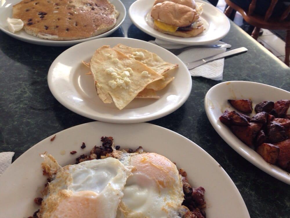 Shaker S Cafe Restaurant Worcester Ma