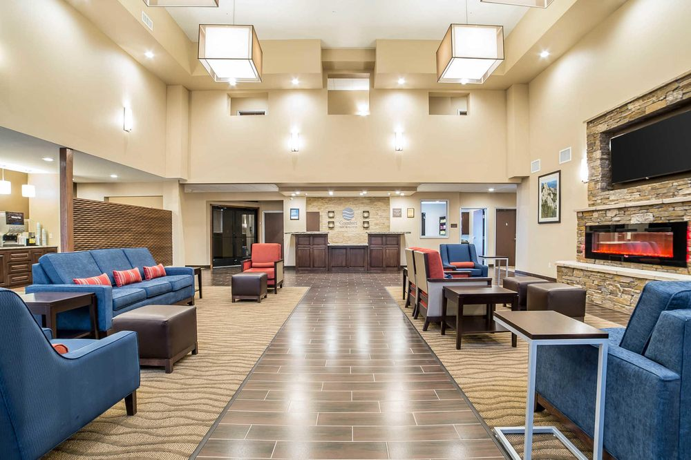 Comfort Inn & Suites Near Mt. Rushmore: 12454 Old Hill City Rd, Hill City, SD