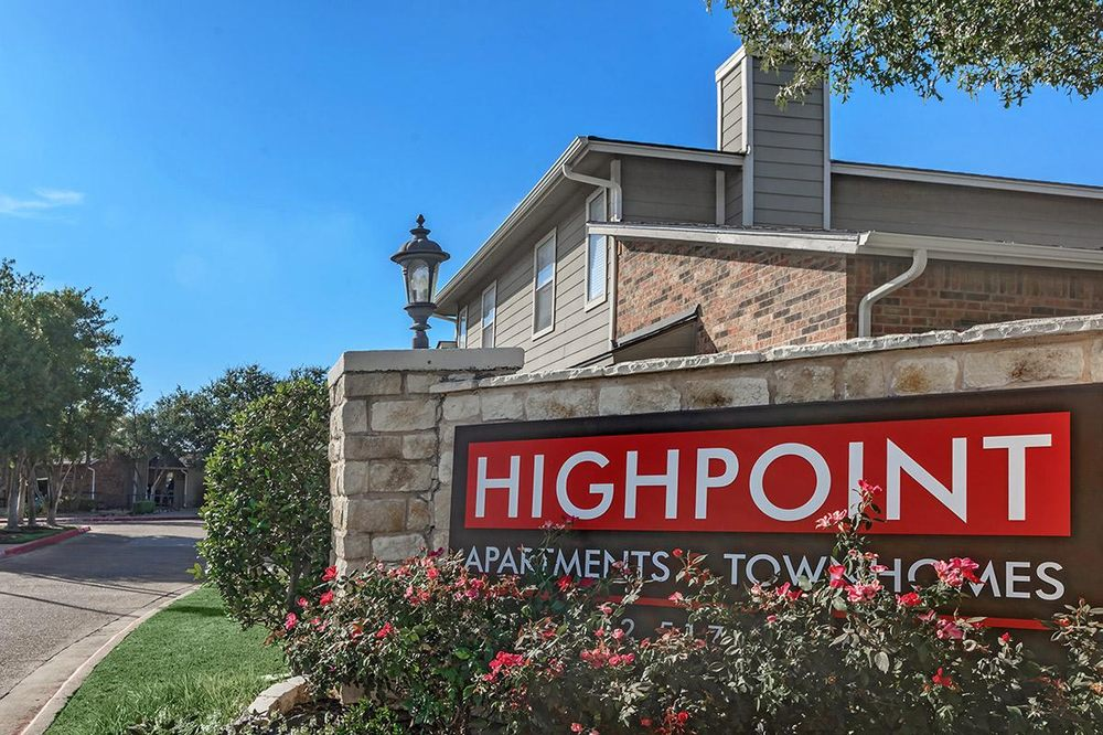 1 2 And 3 Bedroom Townhomes In Plano Texas Yelp