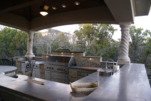 houston outdoor kitchen and bbq - closed - landscape architects