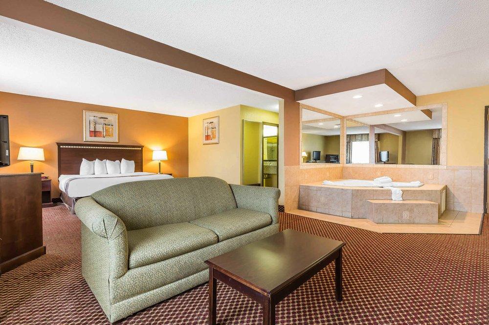 Quality Inn & Suites Bloomington University Area: 1803 East Empire St, Bloomington, IL