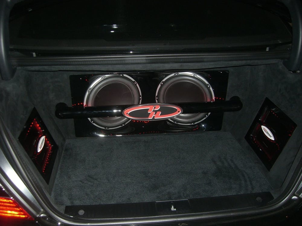 the trunk of this mercedes benz was rebuilt to include 2. Black Bedroom Furniture Sets. Home Design Ideas