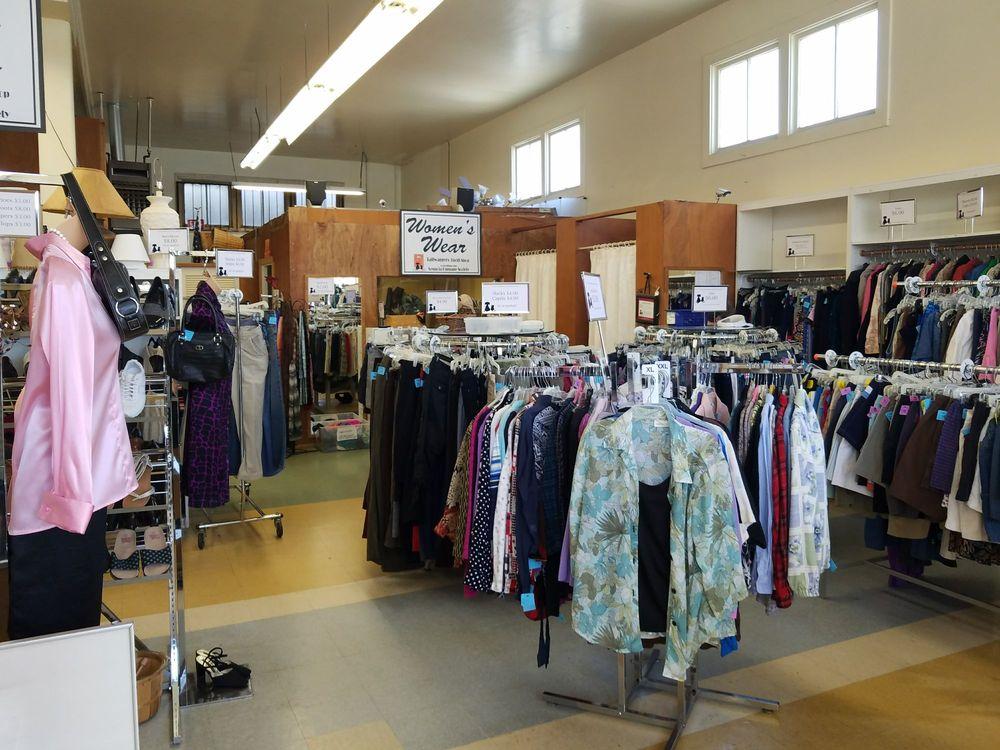 Tailwaggers Thrift Shop: 2737 F St, Eureka, CA