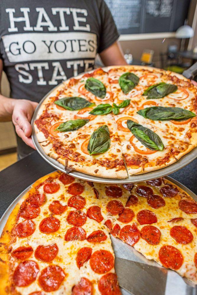 R-Pizza: 2 W Main St, Vermillion, SD