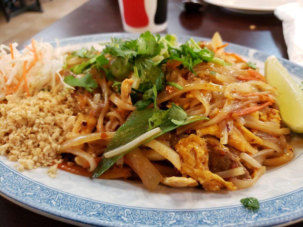 Suvans Kitchen: 129 W Central Ave, Lompoc, CA