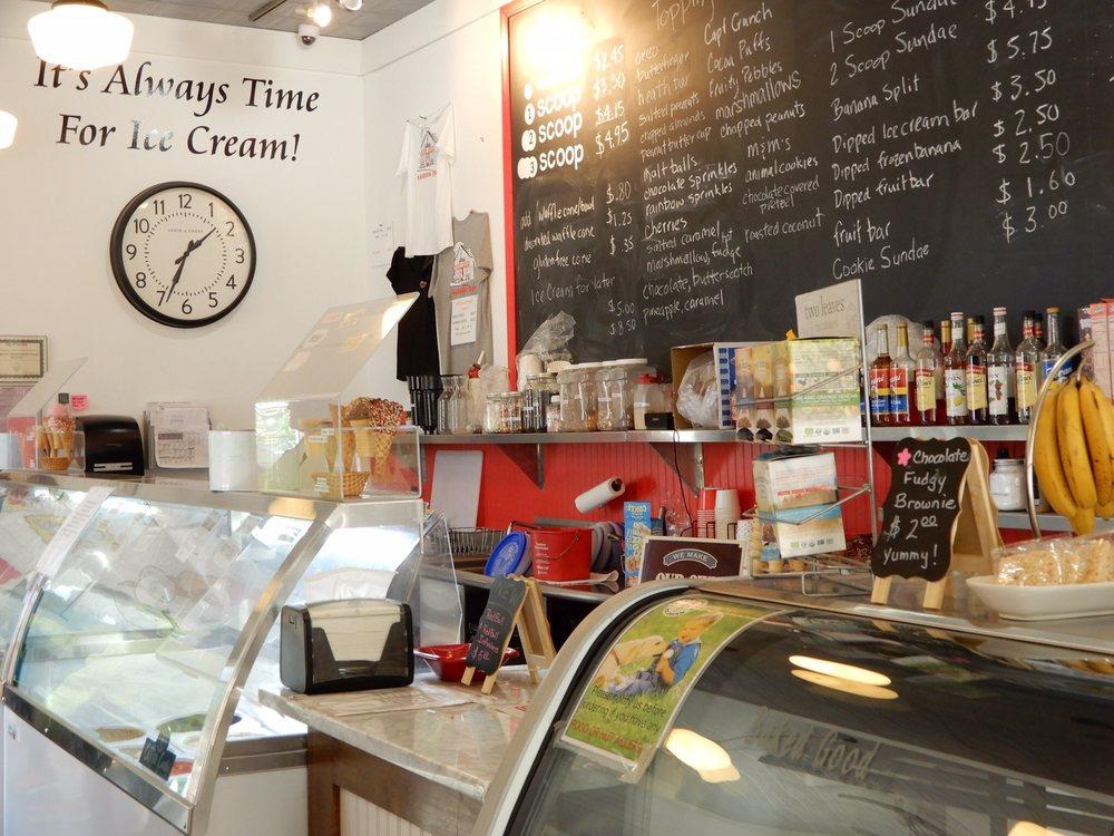 Harrison Creamery & Fudge Factory: 206 S Coeur D'alene Ave, Harrison, ID