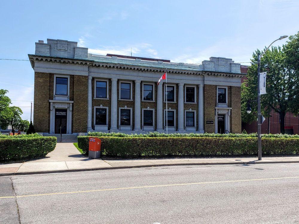 Walkerville: Chilver Road & Wyandotte Street E, Windsor, ON