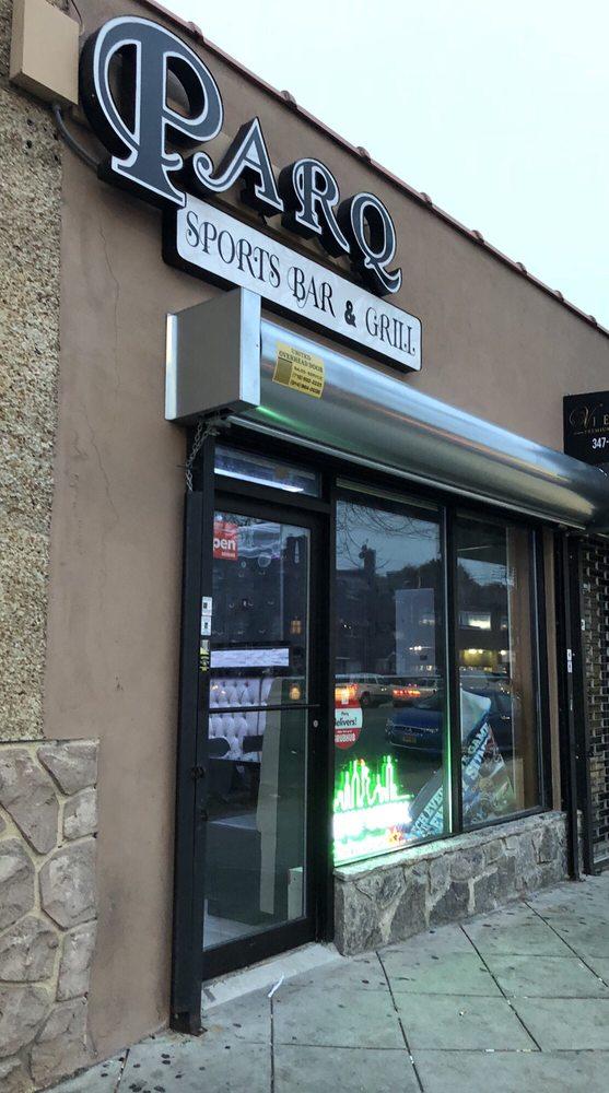 Parq Sports Bar & Grill: 4001 E Tremont Ave, Bronx, NY
