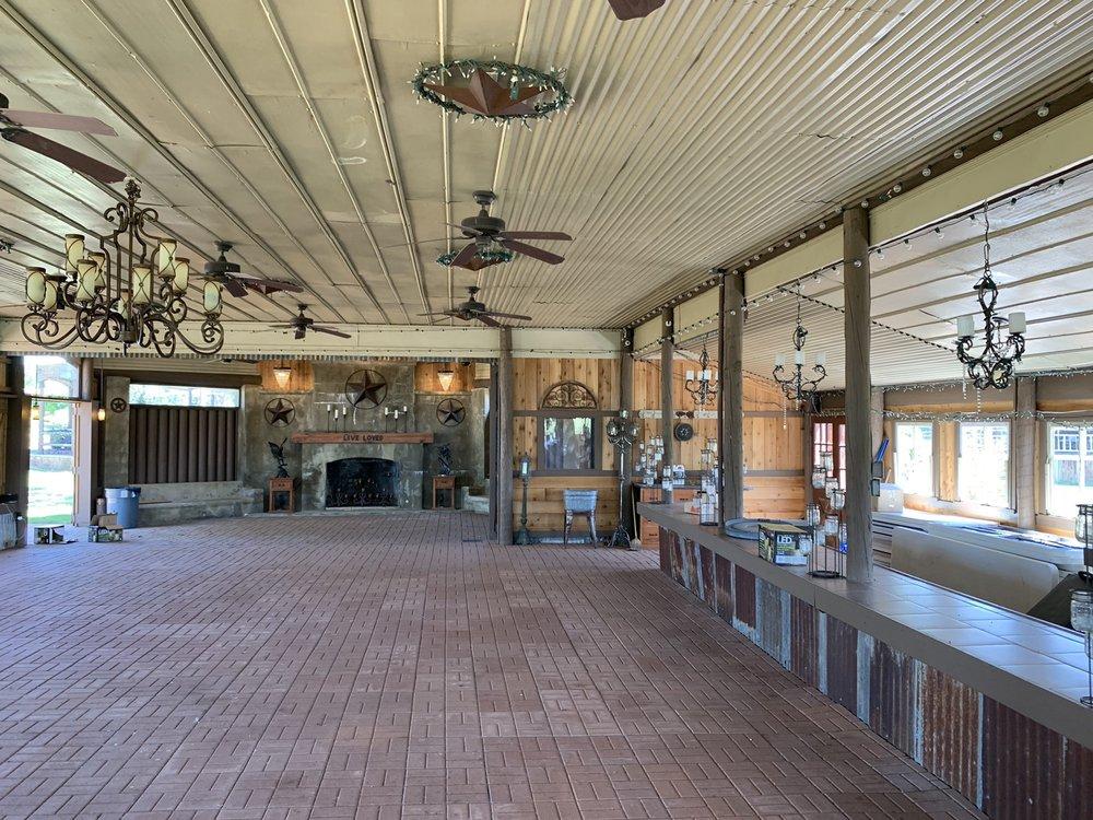 Las Brisas Farm: 1108 Ross Prairie Church Rd, Fayetteville, TX