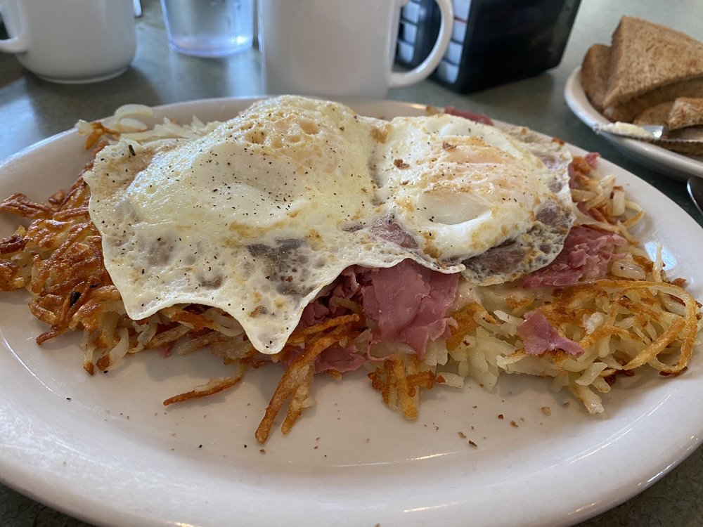 Biscuits and Gravy: 920 N Niles St, Metamora, IL