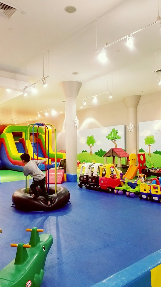 Rockin' Kids Play Center: 1555 Simi Town Center Way, Simi Valley, CA