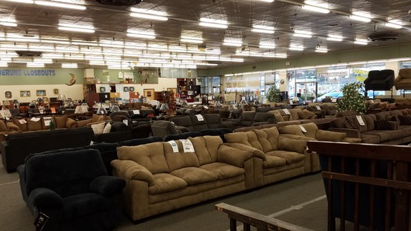 Unclaimed Freight 1030 Us Highway 46 Clifton Nj Furniture