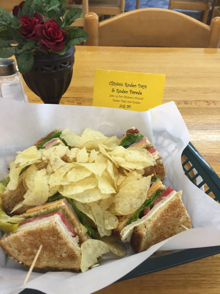 Cafe Downtown Clinton: 500 Frisco Ave, Clinton, OK
