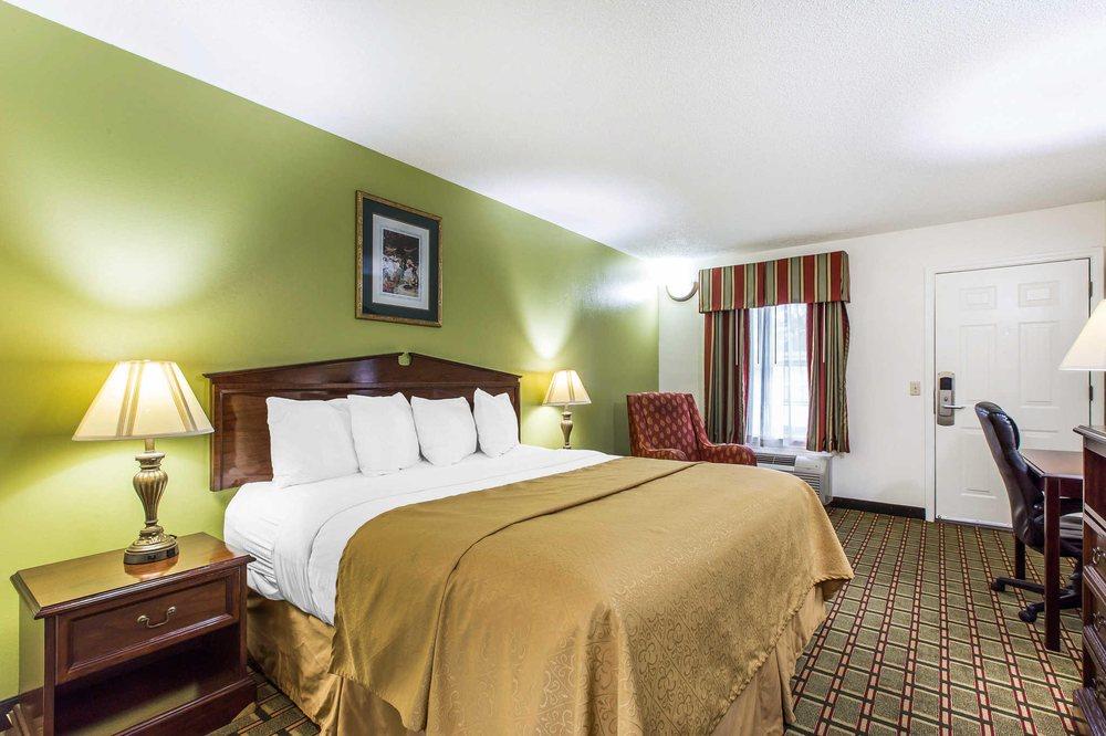 Quality Inn: 41 Pine Ridge Rd, Eastman, GA
