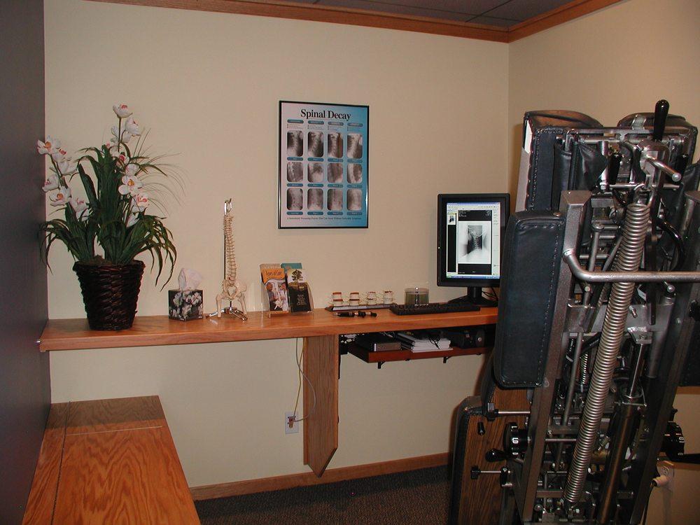 Volz Family Chiropractic: 1995 Cedar St, Holt, MI