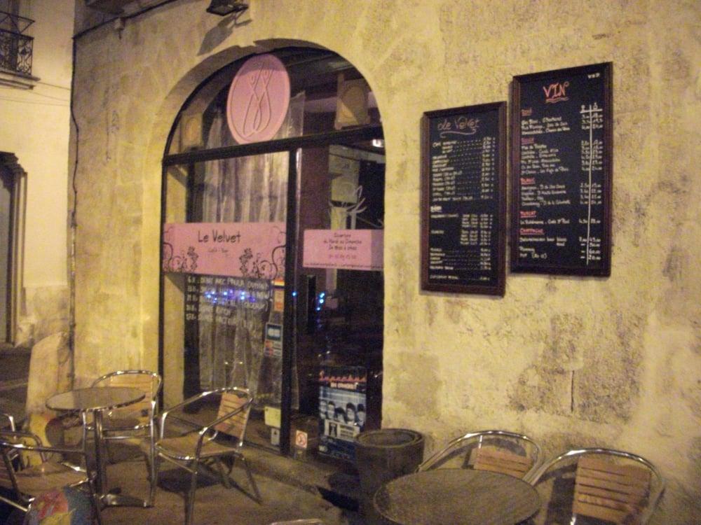 le velvet bar gay 3 rue puits du temple montpellier restaurant avis num ro de. Black Bedroom Furniture Sets. Home Design Ideas