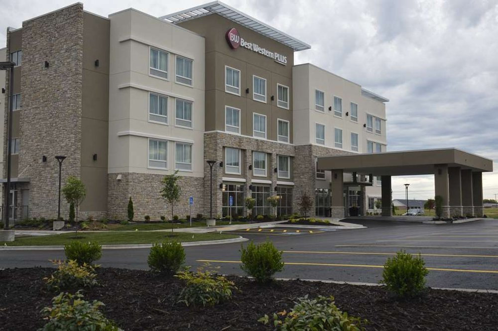 Best Western Plus Bolivar Hotel & Suites: 777 San Martin Street, Bolivar, MO