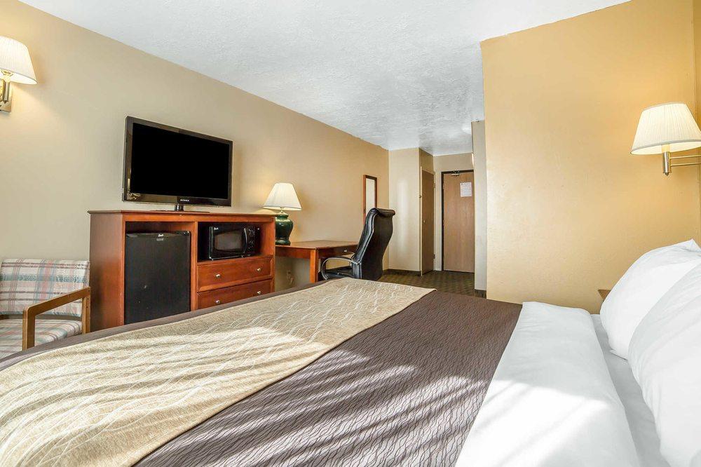 Comfort Inn & Suites: 940 South Hwy 99, Fillmore, UT