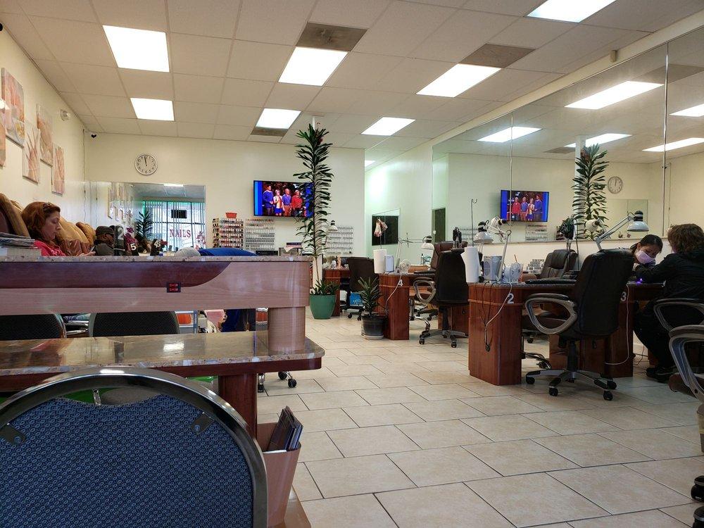 Vin Nails: 2038 Nickerson Blvd, Hampton, VA