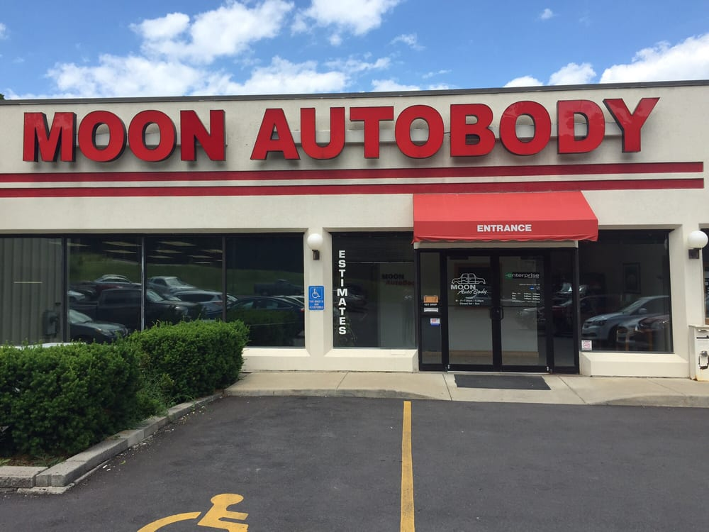 Moon Autobody: 5604 University Blvd, Moon Township, PA