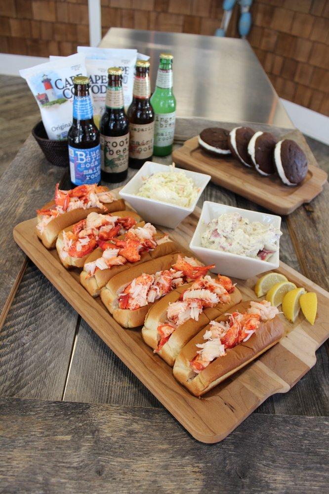 Mason's Famous Lobster Rolls: 1303 19th St NW, Washington, DC, DC