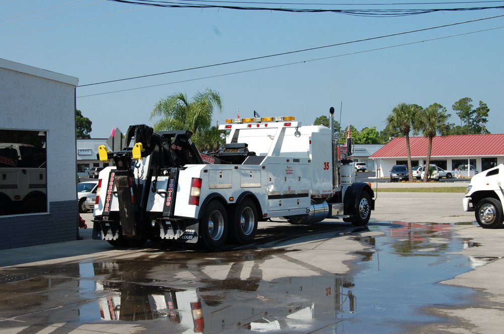 Towing business in Edgewater, FL