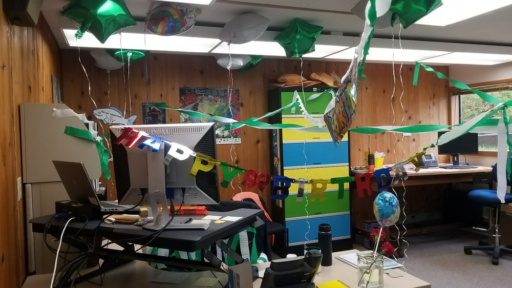 The Balloons Happy Birthday Sign Crepe Streamers Etc Were From