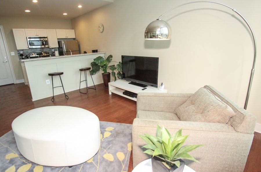 Ur Home In Philly - Vacation Rentals - 1900 Arch St, Penn Center ...
