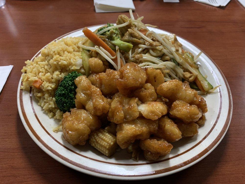 Hong Kong Restaurant: 160 S Madera Ave, Kerman, CA