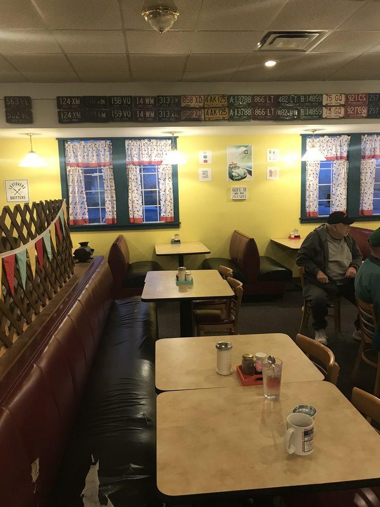 Country Diner: 7906 Yochum Rd, Sardinia, OH
