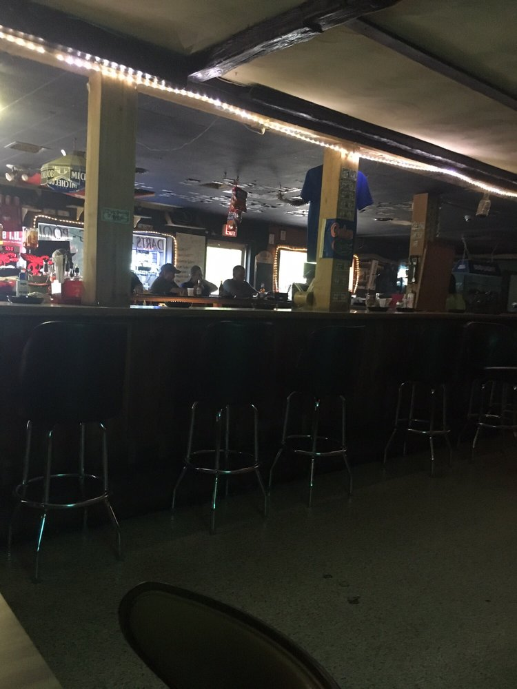 Billy Bon's Lounge and Package: 10922 NW US Hwy 41, White Springs, FL