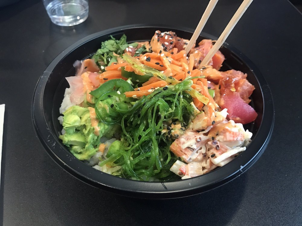 Food from Paddles Up Poke