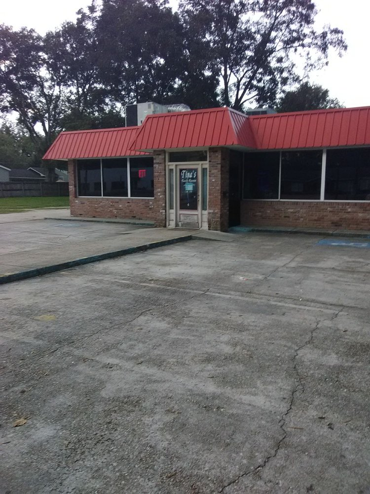 Tina's Family Restaurant: 1117 Broad St, Columbia, MS