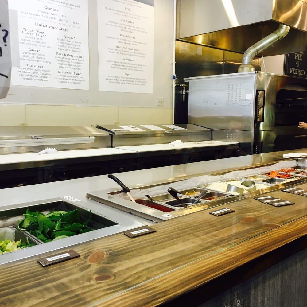 California Pizza Kitchen Virginia Beach: Chipotle / Subway Style Pizza ! Fun !