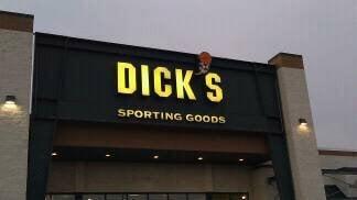 Dicks sporting goods erie pa