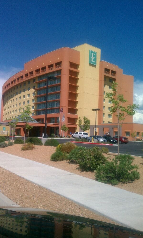 Restaurants Near Embassy Suites Albuquerque