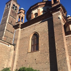 Basilica di sant eustorgio museums piazza sant for Piazza sant eustorgio