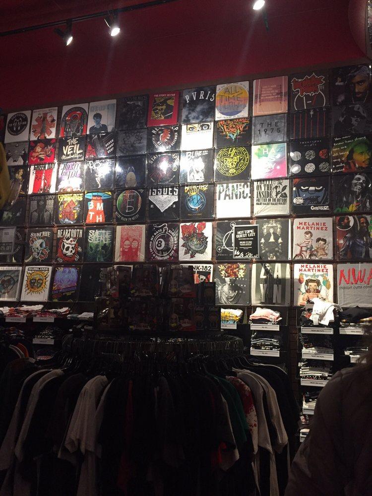 Crossroads Mall: 2 Crossroads Mall, Mount Hope, WV