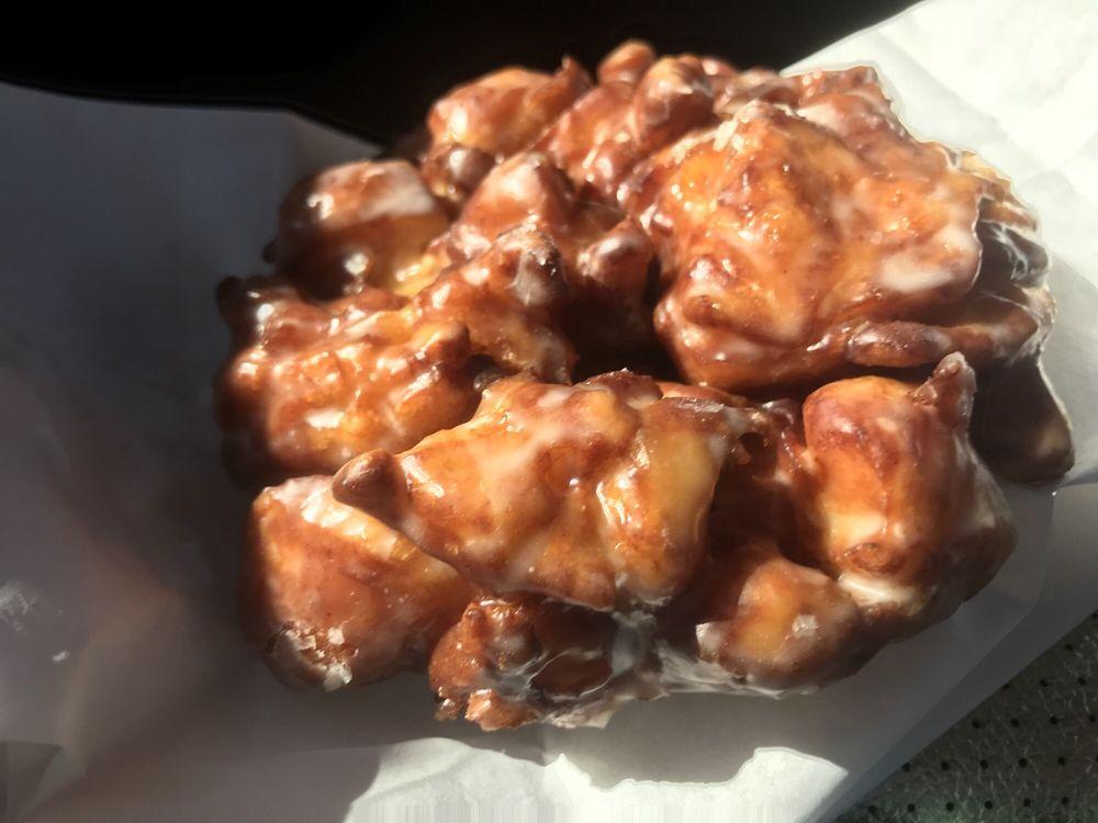 Donut Palace: 34659 US Highway 96 S, Buna, TX